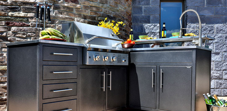 Challenger Design Outdoor Kitchen
